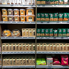 assortiment noten drankenpaleis lier